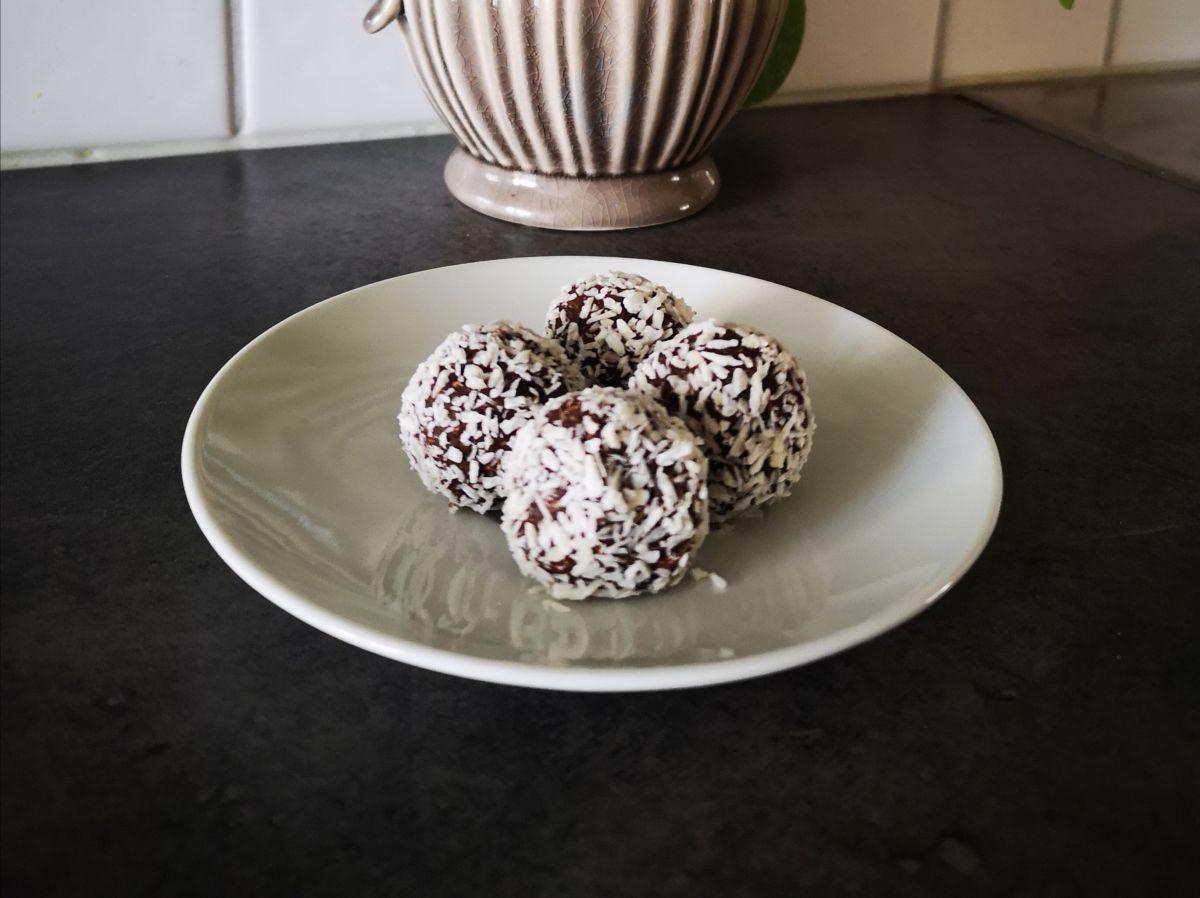 Recept: Nyttiga chokladbollar!