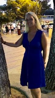Sophia i blå klänning
