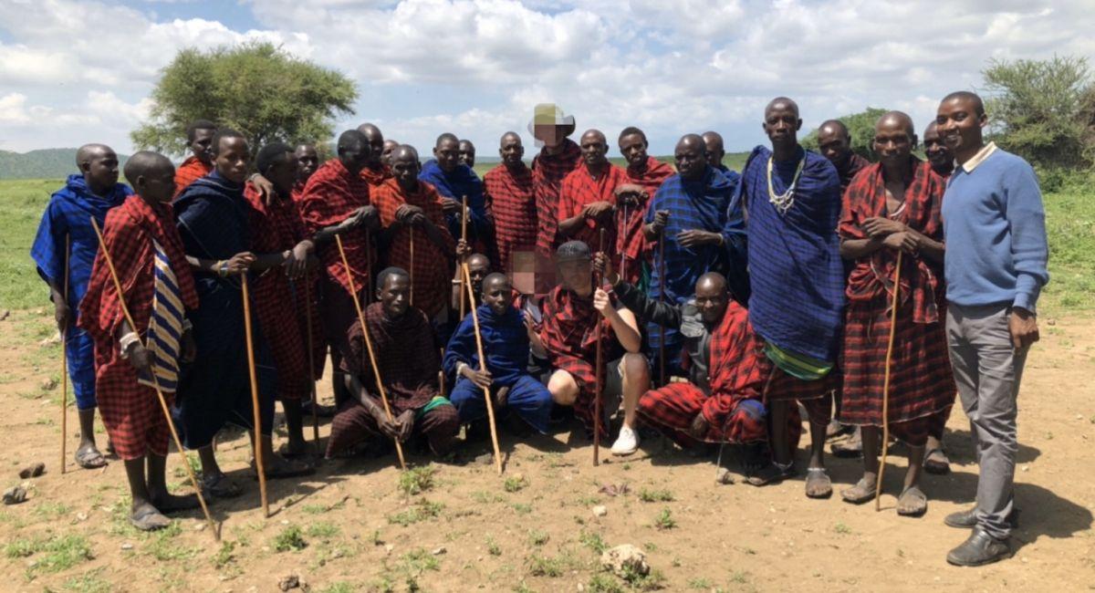 På besök hos massajer i Tanzania