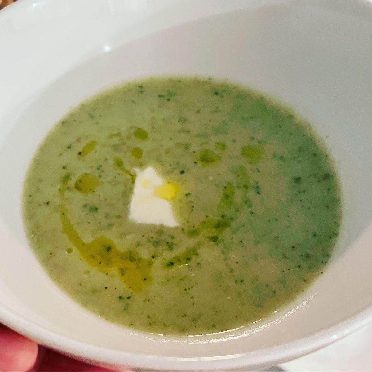Proteinrik broccolisoppa – perfekt efter en överviktsoperation!